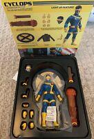 💥✖️💥 Mezco ONE:12 Collective X-Men Cyclops Figure - IN STOCK BRAND NEW 💥✖️💥