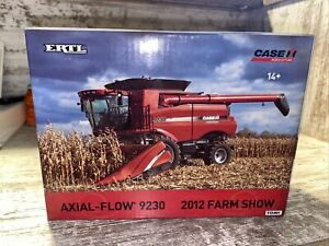 1/64th ScaleCase IH 9230 Axial Flow Combine 2 Heads 2012 Farm Show Edition Ertl