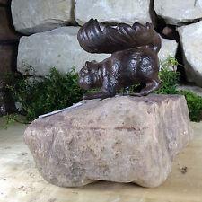 Garten Weg Bachlauf Teich Naturstein Stein Pflanzen Figur Eichhörnchen Eidechse