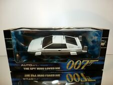 AUTOART 75306 LOTUS ESPRIT 1979 SUBMARINE 007 JAMES BOND 1:18 - EXCELLENT IN BOX