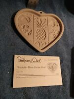 2001 Pampered Chef Hospitality Heart w/ Fruit Stoneware Cookie Baking Mold NIB