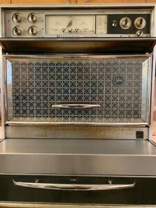 Vintage 1960's Frigidaire Flair Custom Imperial Electric Range Oven - It works!