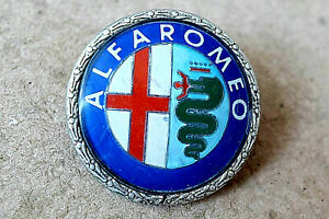 ALFA-ROMEO, MILANO CAR BADGE 18145000 by G.E.C.A.R.