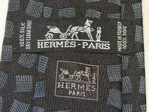 "HERMÈS  MEN'S TIE BLACK, GRAY/GEOMETRIC W: 3.50"" L:  58"""