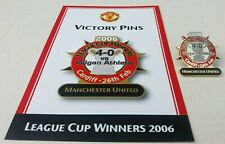 MANCHESTER UNITED V WIGAN LEAGUE CUP WINNERS 2006 VICTORY PINS CARD & PIN BADGE