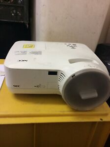 NEC NP610SG LCD Projector White Projector  IKI343 00301