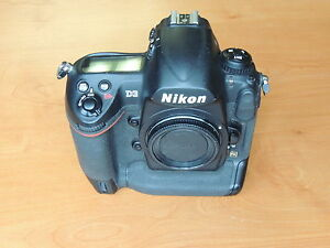 Nikon D3 Camera Used Body bundle with 1 Battery & Cover <30K Clicks