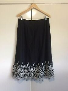 Noni B Women's Skirt Size 12 Black White Floral Design Casual Evening