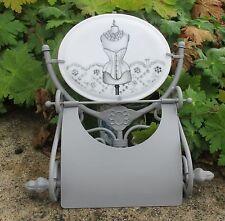 Dérouleur papier toilette décor mannequin Mathilde M accessoire salle de bain