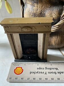 DOLLS HOUSE MINIATURES -Hearth And Home Fireplace Surround  Fire Vintage