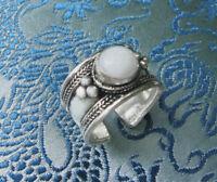Sehr schöner Silber RING aus Nepal mit Mondstein