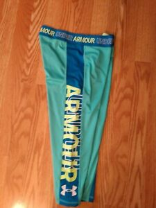 UNDER ARMOUR YOGA STRETCH CAPRI PANTS STRETCH BLUE GRAPHIC WOEMENS SIZE L