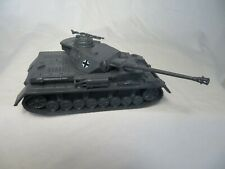 Classic Toy Soldiers Wwii German Panzer Iv tank with long barrel