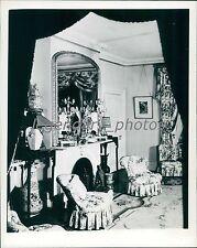 1946 Area of Reception Room in Roosevelt Mansion Original News Service Photo