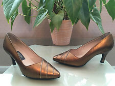 Ladies Bally Dandin gold leather court shoes with pointed toe front UK 5 EU 38