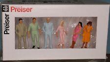 Preiser 65503, Spur 0  1:43,5 / 1:45, Passanten / passers-by / Passants