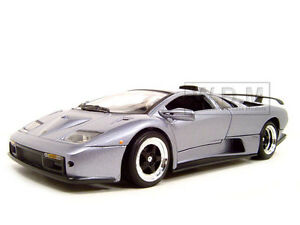 LAMBORGHINI DIABLO GT SILVER 1:18 DIECAST MODEL CAR BY MOTORMAX 73168