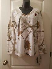 Realtree Aps Sz Large White Animal Print Scent Blocker V-Neck Shirt D3