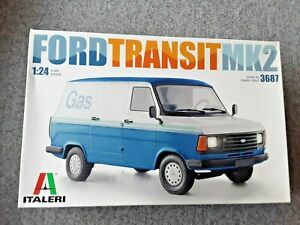 ITALERI FORD TRANSIT MK 2  VAN     1/24 MODEL KIT