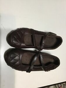 Quilted Toe Brown Skechers Size 6 Maryjane style preowned