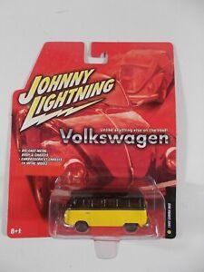 Johnny Lightning 1/64 Volkswagen 1960 Samba Bus