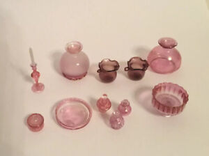 Dolls House Pink Glass Accessories