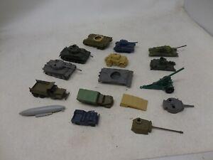 Vintage Junkyard Lot of PLASTIC MILITARY TANKS & VEHICLES