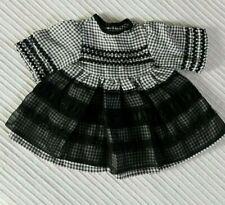 robe noire et blanche vichy ancienne de poupée, Bella, raynal ou autre