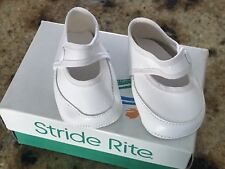 Vintage Baby Infant Crib Tiny White Shoes Unmarked & Small Stride Rite Shoe Box