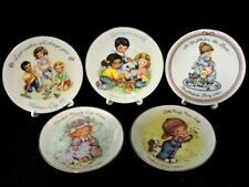 """Avon """"Mother'S Day"""" Plate Collection (5) All In Factory Box '81 '82 '87 '89 '91"""