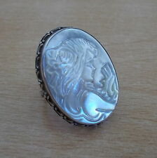 925 STERLING SILVER MOTHER OF PEARL CAMEO RING (US 6.5 UK M 1/2)