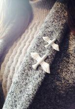 2 x Dainty Cute Dove Brooch, Collar or lapel Pin Badge, Peace.