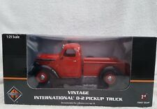 1/25 first gear 40/0290 vintage international D-2 pickup truck RED/black