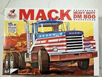 ERTL / MPC 1/25 MACK DM 800 TRACTOR PLASTIC TRUCK MODEL KIT # 899 BRAND NEW F/S