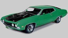 1:18 AUTOWORLD / ERTL 1970 Ford Torino Cobra GRABBER Verde