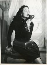 Actrice mexicaine Maria Felix dictant ses impressions de Paris, 1949, vintage si