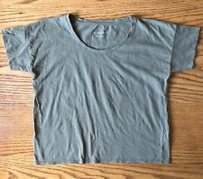 Everlane Women's Size Small Olive Green Square Crew Neck T-Shirt