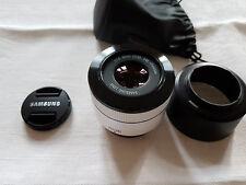 Samsung Objektiv  NX 45/1,8 2D/3D Funktion weiß (EX-S45ADW)