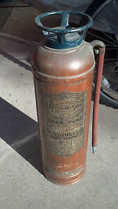 BRASS FIRE EXTINGUISHER General Quick Air Model SA-303 with hose antique