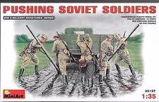 1/35 MiniArt 35137- Soviet WWII Soldiers Pushing  -  (5 Figure set) Plastic Kit