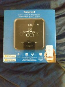 Honeywell RCHT8610WF2014/W Smart Wi-Fi Thermostat, Black