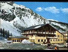 """VAL D'ISERE (73) CITROEN 2CV & RENAULT 4L au CHALET-HOTEL """"L'AIGLE BLANC"""" en1970"""