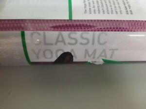"""GAIAM Classic Yoga Mat  68""""L  X  24""""W  X  4 MMM"""