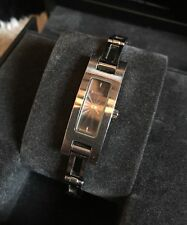 Ladies Vintage GUCCI  silver watch 3900L in BOX. Used. RRP £500.