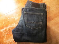 HUGO BOSS TEXAS STRAIGHT FIT DARK WASH JEANS SIZE 32X31