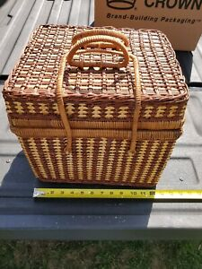 Vintage Wicker Type Picnic Basket, With 4 Cups