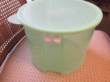 TUPPERWARE ~ FridgeSmart Large Container 4.7 Liters Round Green w/Seal