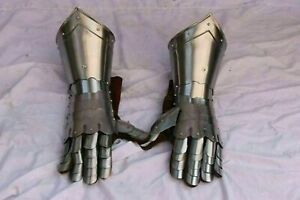 Medieval Pair Of Gauntlets Armor Gloves Wearable handcrafted Metal Gloves