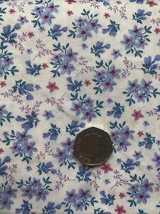 100% Cotton Poplin Print Blue Floral - CP0784 Free Econ P&P