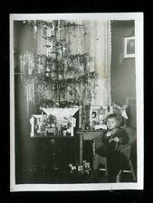 Foto Weihnachten Kind Tannenbaum Puppenstube Spielzeug 1932